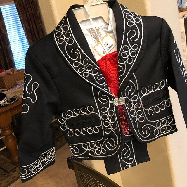 Beautiful 6 pieces Boy Charro Suit,Black with Silver Charro Suit with Hat,Charro