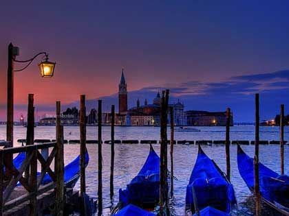 Venice P.s....lay down and D....:)) who Is sleeping in Venice ??? resting....utmost.....;)