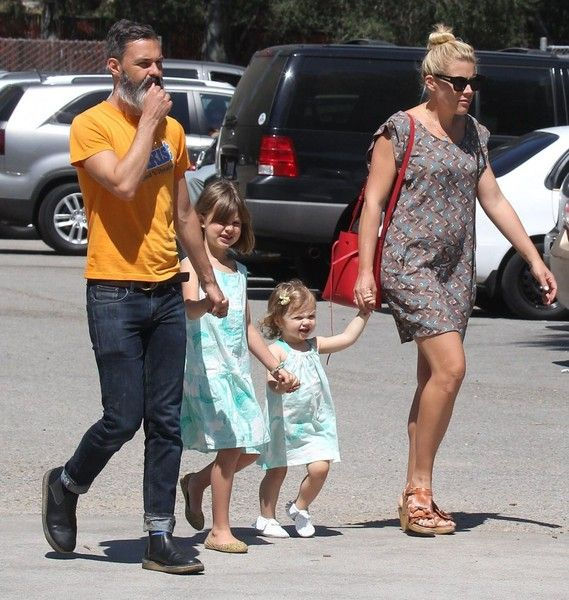 Busy Philipps and Birdie Silverstein Photos - Busy Philipps and Family Spend the Day at the Park - Zimbio