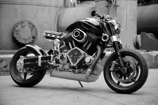 """Confederate Motorcycles has ripped the sheets off of its latest creation, and it's a stunner. The X132 Hellcat is the latest in what the company calls its line of """"heirloom"""" creations, and the bike boasts a billet aluminum engine case machined from two hunks of 6061 aircraft-grade aluminum."""