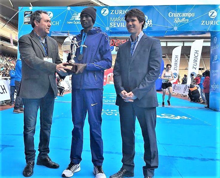 . LaMaratón de Sevilla2017 ha terminado con éxito: Doblete de Paula González Berodia, que repite victoria tras 2016, nuevo record de carrera por Erikus Tiuts y sobre todo un pelotón popular que h…