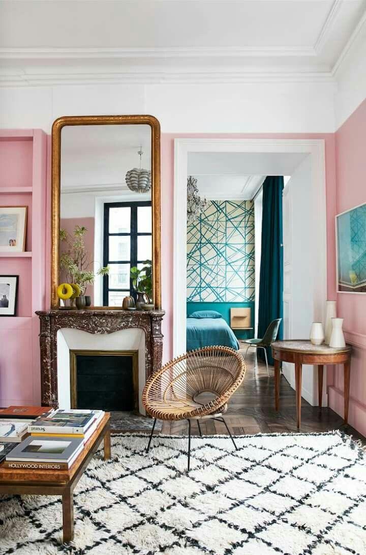 Paris Apartment http://honestlywtf.com/travel/where-id-stay-paris/