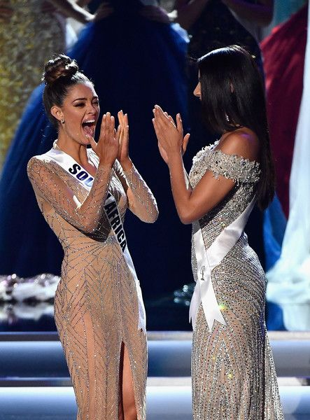 Demi-Leigh Nel-Peters Photos - Miss South Africa 2017 Demi-Leigh Nel-Peters (L) and Miss Colombia 2017 Laura Gonzalez (R) react as Nel-Peters is named 2017 Miss Universe during the 2017 Miss Universe Pageant at The Axis at Planet Hollywood Resort & Casino on November 26, 2017 in Las Vegas, Nevada. - The 2017 Miss Universe Pageant