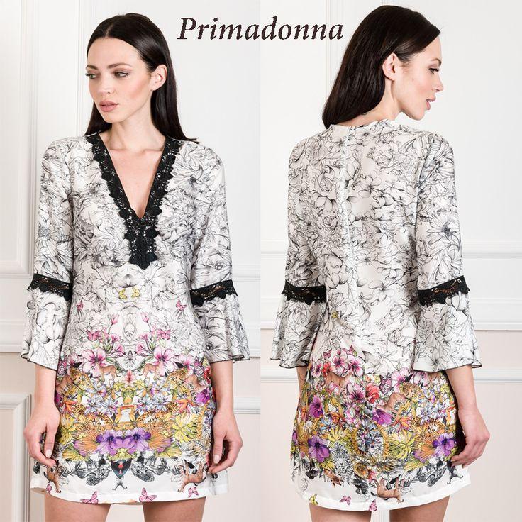Mini εμπριμέ φόρεμα με λεπτομέρειες από δαντέλα.Shop now > http://bit.ly/2oeq0eR . Για τηλεφωνικές παραγγελίες καλέστε στο 2610314770.