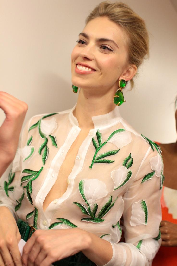 oscar de la renta resort 2013, photo by rachel scroggins: Green Earrings, Floral Prints, Emeralds Green, Income, Emeralds Earrings, Renta Resorts, Resorts 2013, Resorts Wear, Oscars