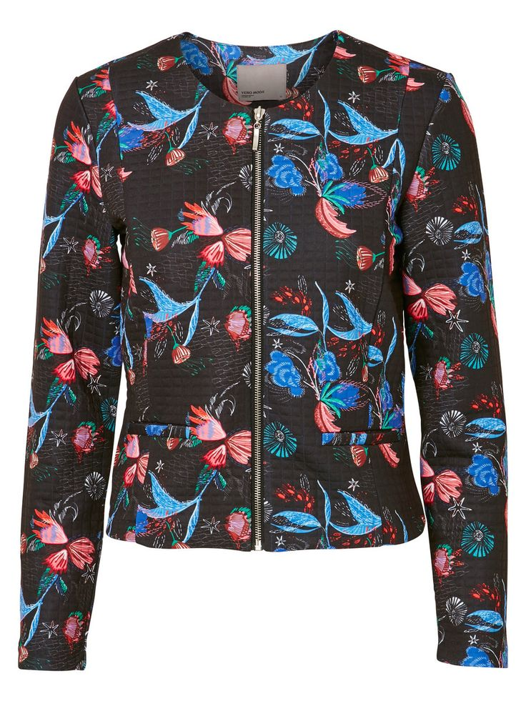 Print blazer from VERO MODA. Style with a pair of loose trousers for a casual everyday look.