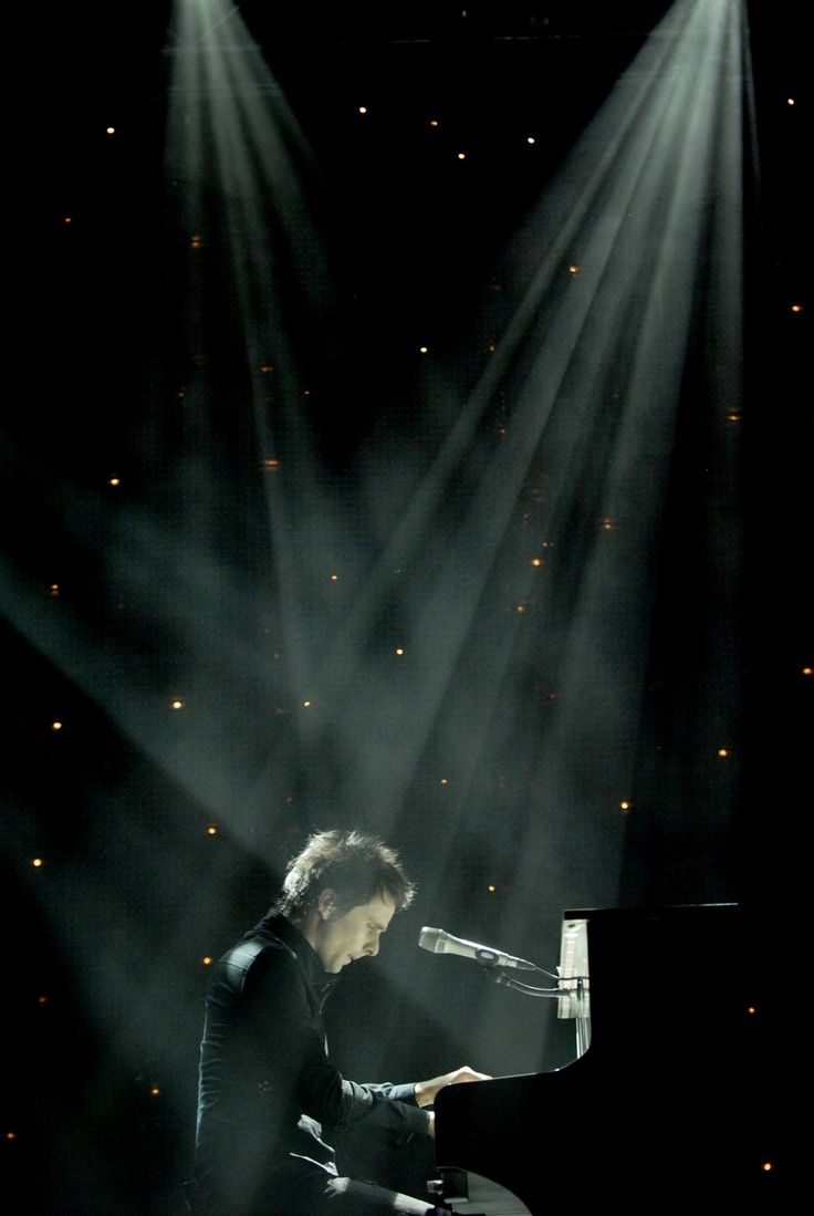 muse matthew bellamy piano stars spotlight