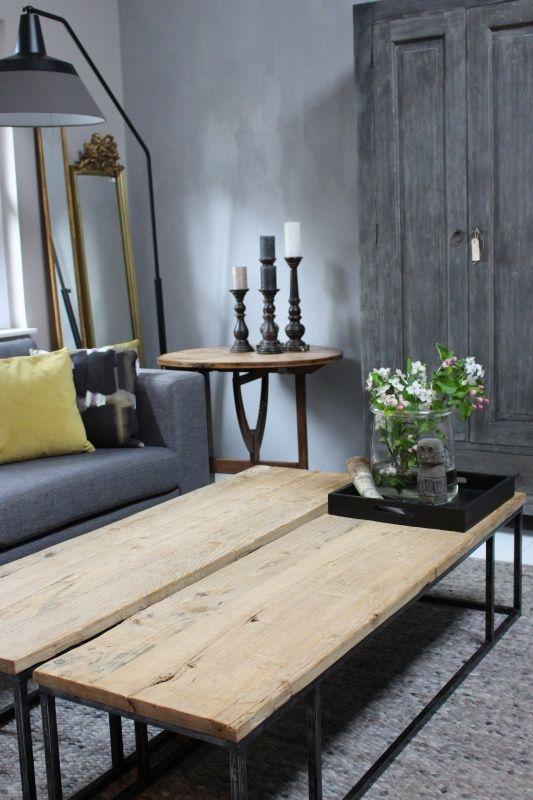 Stijlvolle salontafel c.q. wandtafel