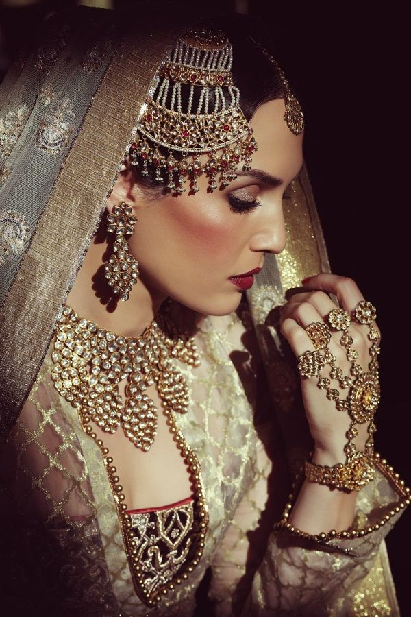 Aaina - Bridal Beauty and Style: The Accessorized Bride: Sonya Jehan for Hazoorilal and Sons Jewellers as Umrao Jaan
