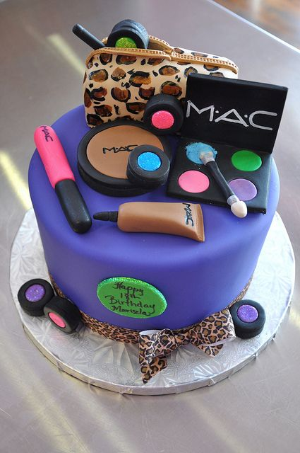 Make up.. Cake. Lovely cake...pet peave - uncovered board!