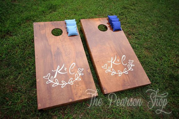 Your guests can play lawn games at the reception.