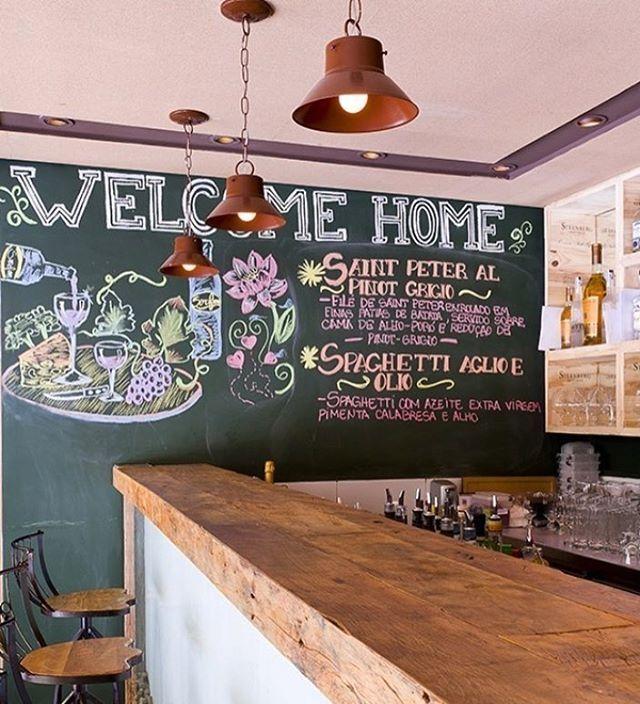 Sobre #paredelousa .. Elemento destaque nesse restaurante! ☝🏻️❣Por @triplex_arquitetura
