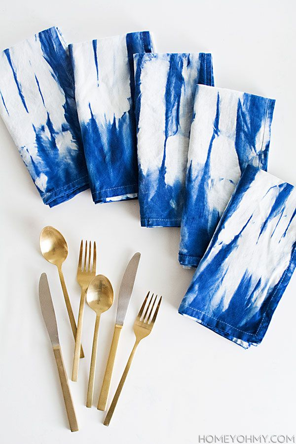 Revitalise plain white napkins with this indigo tie-dye pattern - just follow these simplye instructions for a unique indigo addition to your home!