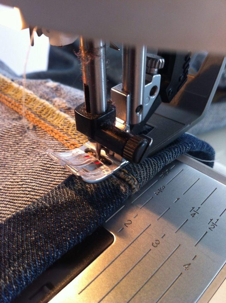 Comment coudre un ourlet de jeans.Comment passer sur la grosse épaisseur des coutures de coté.Sans casser l'aiguille ni bloquer la machine.