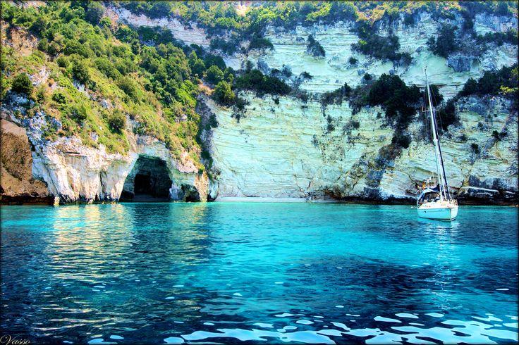 Το τοπίο της φωτογραφίας κεντρίζει την προσοχή και δημιουργεί σκέψεις χαλάρωσης και ηρεμίας.. Ποιο είναι αυτό το εντυπωσιακό μέρος; #traveltoGReece #Greece credits to Vasso Milliou