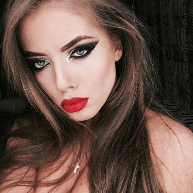 "131 Likes, 1 Comments - МARKOVA  KSENIA MAKEUP ARTIST (@markova__ksenia) on Instagram: ""Makeup by Me Макияж сценический для выступления  Запись _____________________ 8 964 284 53 48…"""