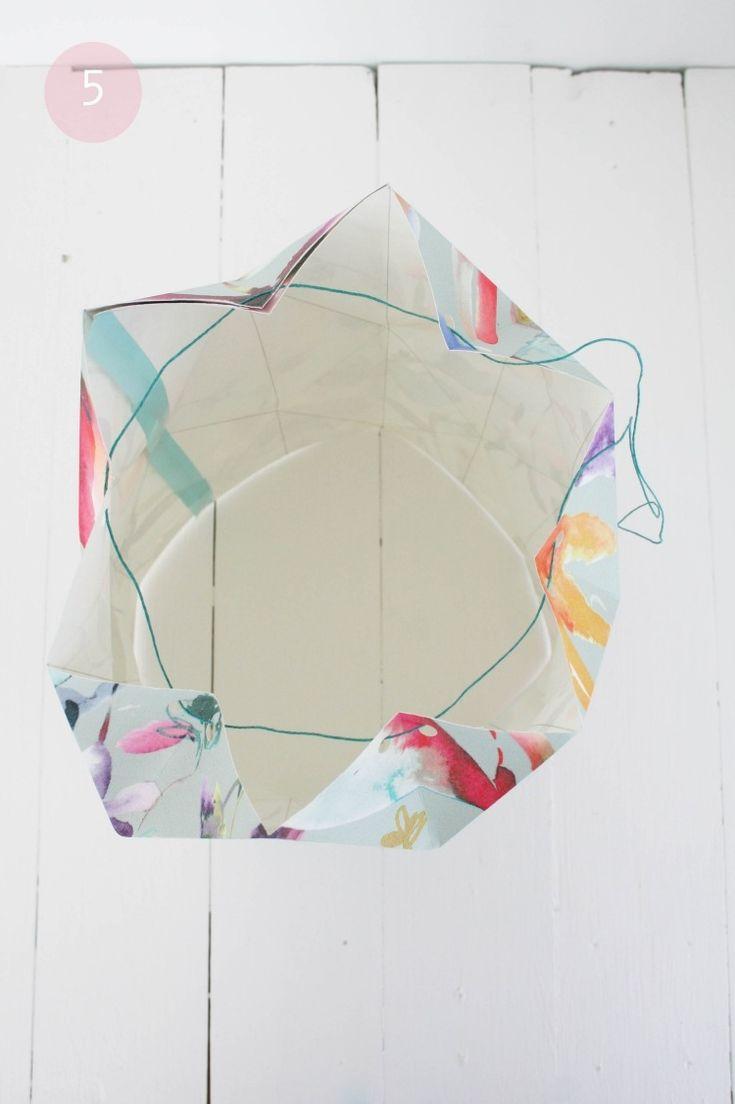 lampe papier origami et assemblage des extrémités à l'aide d'un fil de coton