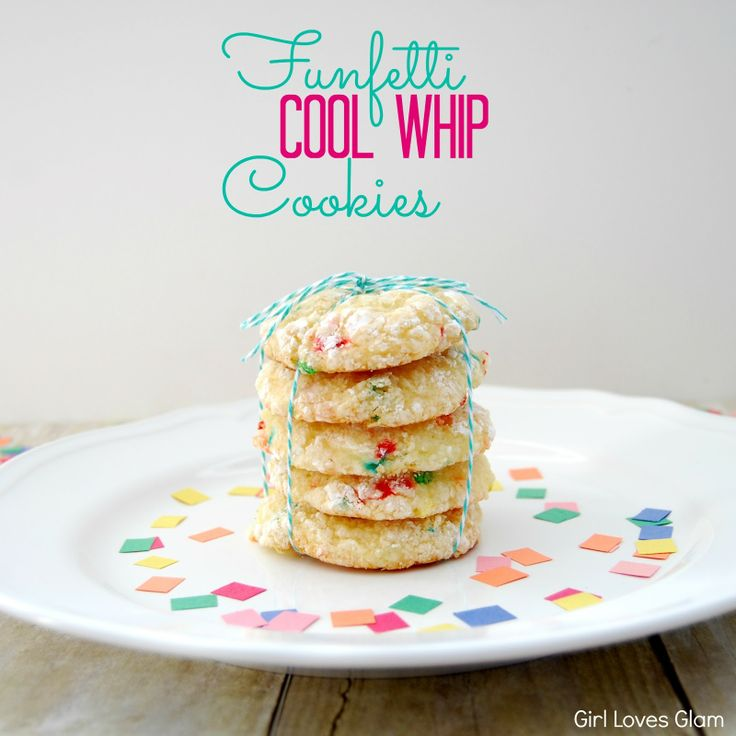 Girl Loves Glam: Funfetti Cool Whip Cookies