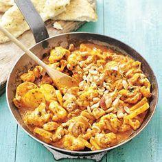 3 juli - Kipfiletblokjes in de bonus - Recept - Aardappelcurry met kip en bloemkool - Allerhande