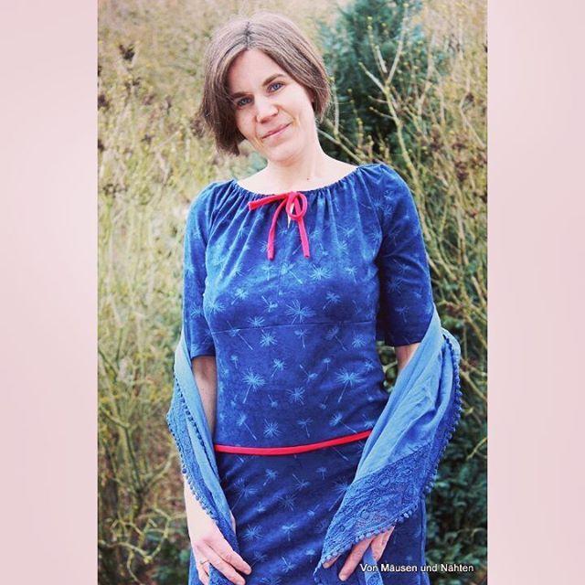 """Mein neues Rosa P. Kleid aus """"Pusteblume navy"""" von #lillestoff gibt es heute im Blog und bei #rums zu sehen. #comingsoon #newfabric #samstagsnews #lillestoffwoman #rosap #nähdirdeinkleid"""