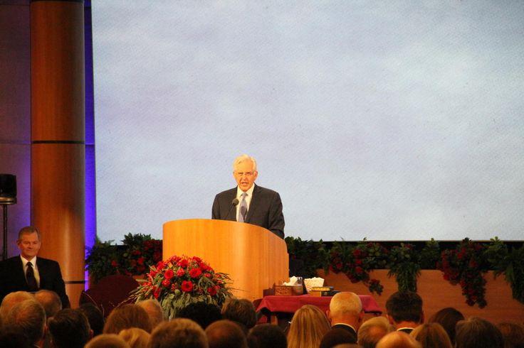 Elder Christofferson discusses 'power of the Book of Mormon' in seminar