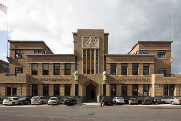 Kantoorgebouw Bierbrouwerij De Drie Hoefijzers ( F.P. Bilsen en Zn. )