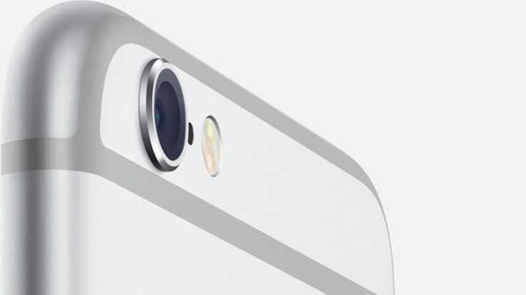 """The fact that """"Crapple"""" can't build a flush camera lens housing is nothing now compared to the fact that the iPhone 6 Plus is a cheaply made piece of rubbish that bends out of shape!"""