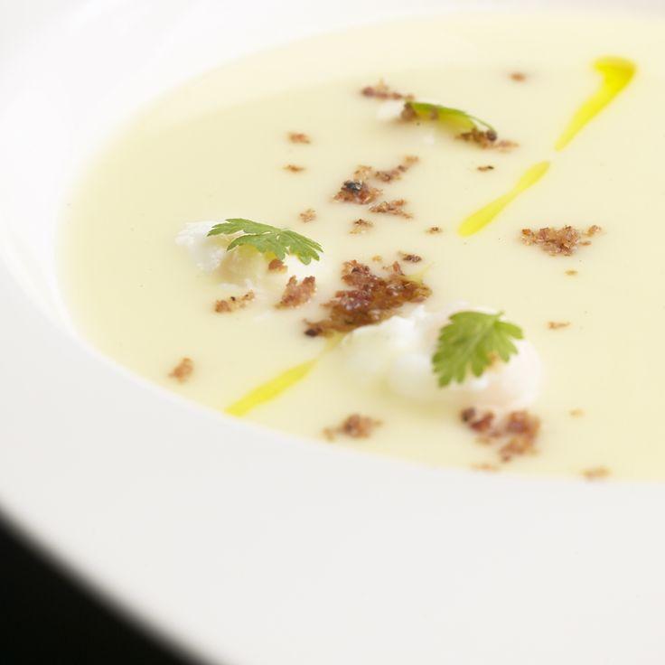 Recept aardappelbouillon met truffelolie en een gepocheerd kwarteleitje