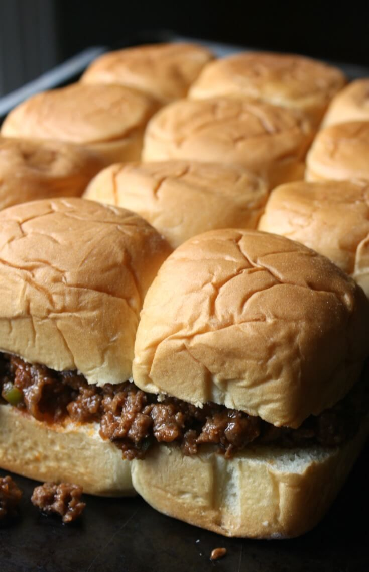 Pull Apart Sloppy Joe Sliders with King's Hawaiian Rolls and homemade Sloppy Joe sauce recipe. Fast and easy dinner for a busy week night.
