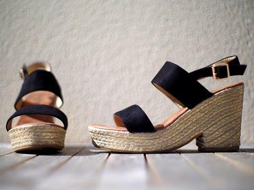 Mes petites chaussures de l'été : http://www.menagere-trentenaire.fr/2017/05/26/chaussures-cendriyon