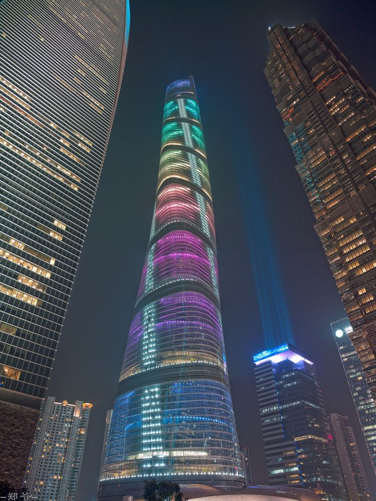 Complete! Shanghai Tower in 2015 [Future Architecture: http://futuristicnews.com/category/future-architecture/]                                                                                                                                                     More