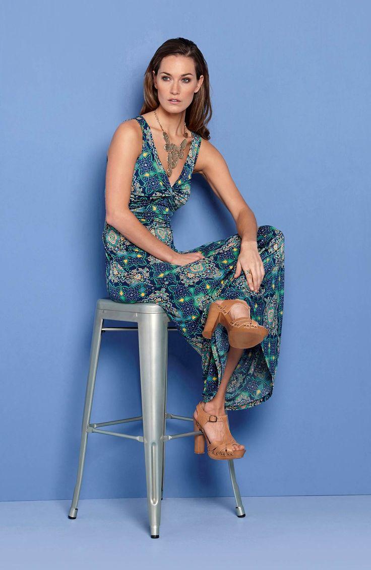 Długa sukienka z nadrukiem od Happy Holly http://www.halens.pl/moda-damska-rozmiary-specjalne-na-gore-5828/sukienka-marie-555673?imageId=393876&variantId=555673-0018 + naszyjnik http://www.halens.pl/moda-damska-akcesoria-i-dodatki-5797/naszyjnik-denice-551474?imageId=341715&variantId=551474-0104