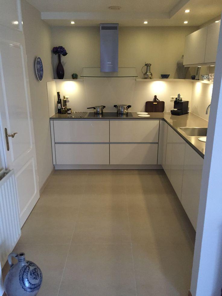 Keuken met betonnen werkblad. Veel mogelijkheden bij interieur Betondesign, bezoek onze website!