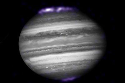 """""""Lumini nordice"""" au fost localizate pe Planeta Jupiter http://www.antenasatelor.ro/curiozit%C4%83%C5%A3i/%C5%9Ftiin%C5%A3%C4%83/8750-%E2%80%9Elumini-nordice%E2%80%9D-au-fost-localizate-pe-planeta-jupiter.html"""