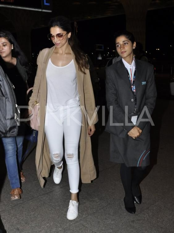 Deepika Padukone Is a Vision In White At The Airport! | PINKVILLA