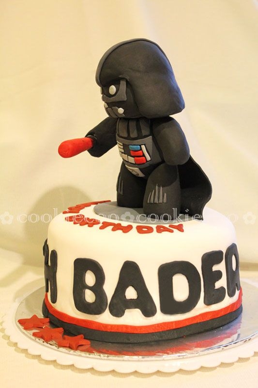 "cookiecoo: Starwars cake Darth Vader for ""Darth"" Bader"