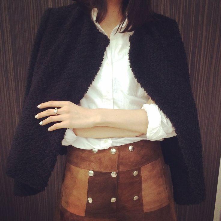 「イザベル マラン」のブラックのショート丈コート