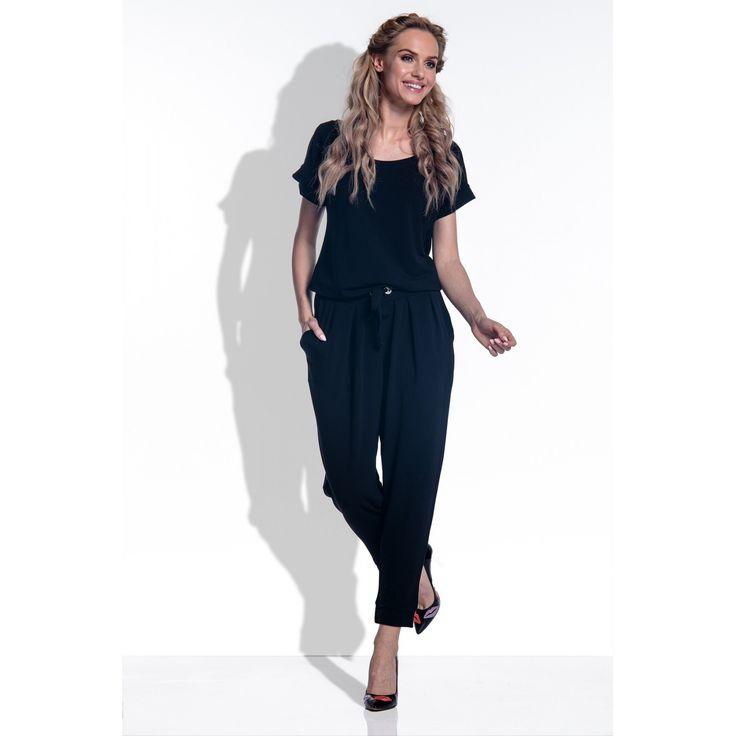 Salopeta dama cu maneci scurte si pantaloni trei sferturi neagra