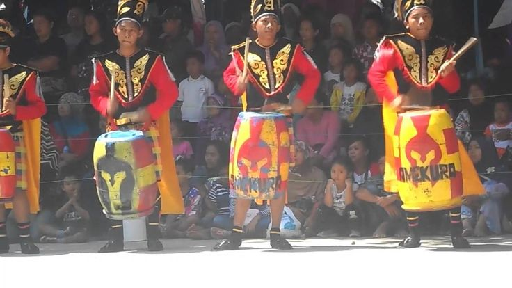 Drumblek also led by mayoret, like a drum blek or marching blek, and now Drumblek has already become an icon of the city of Salatiga. Therefore, the expected community outside also know that drumblek is the original music of Salatiga and dedicated to Indonesia.