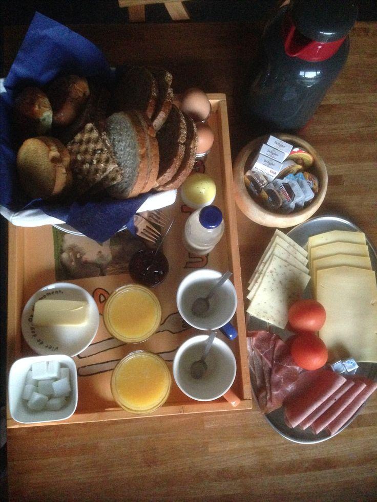 Ontbijt op dienblad B&B Slaoperij
