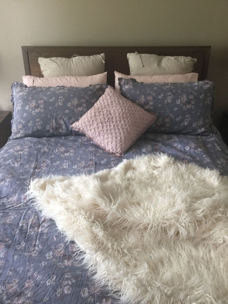 We spend a fortune on clothes, shoes and handbags. Why don't we invest in our beds? Where we spend 8 hours every night... Loving my new acquisition from linen house and freedom. #bliss #sanctuary #a#relax #enjoy #sleep