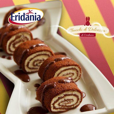 """Eridania trucchi di dolcezza: un dolcetto gustoso e veloce da gustare in una serata estiva tra amici? Un finger food dolce! Per ottenerne creativi e gustosi, ripensate i piatti salati in chiave dolce, come i Blinis che accompagnati da una fresca crema al cioccolato possono trasformasi in un uno """"sweet finger food"""" per una Dolce Estate coi fiocch! #fingerfood #eridania #italia #zucchero"""