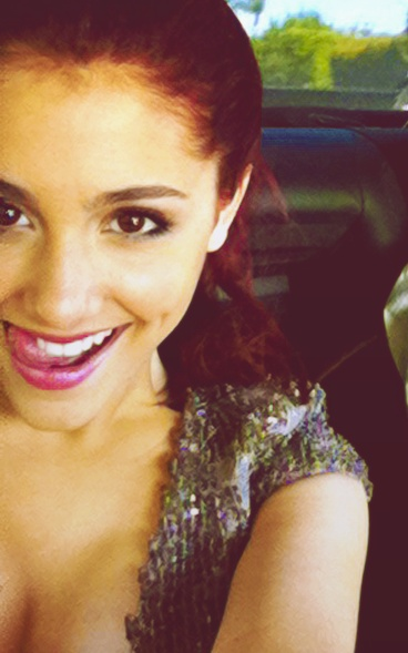 Ariana Grande (@arianagrande) • Instagram photos and videos