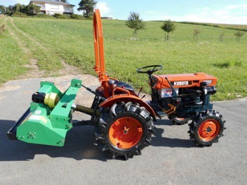 Kleintraktor-Kubota-B-7000-Traktor-Schlepper-mit-Mulcher
