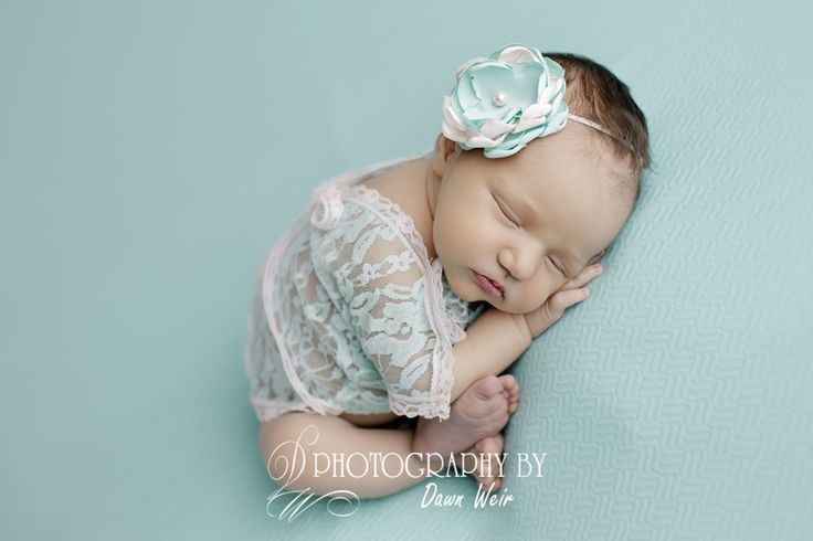 Edmonton newborn photographer dawn weir baby photographer edmonton dawn weir teal newborn photo