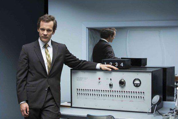 Experimenter- Um filme retrata a obra do psicólogo (Milgram) sobre os mecanismos tortuosos de obediência à autoridade