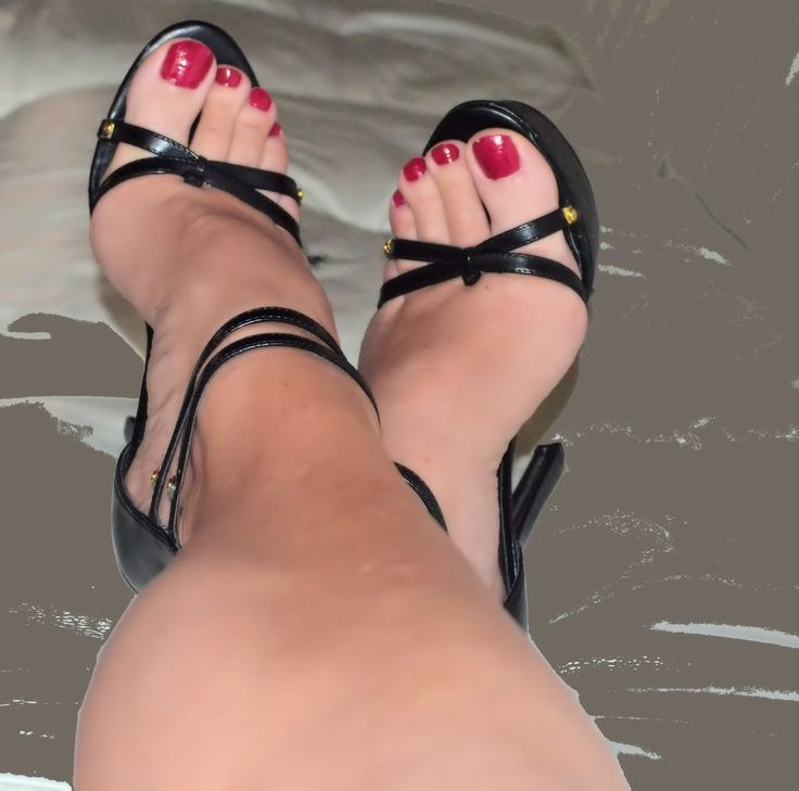 amateur footjob red toes started slow first