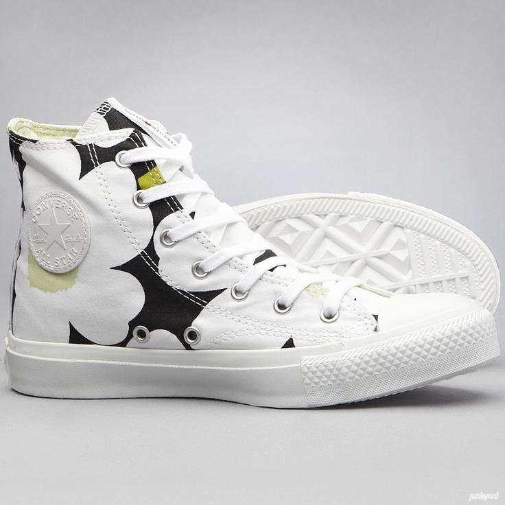 Tyttöjen Converse kengät suunniteltu yhteistyössä Marimekon   kanssa.