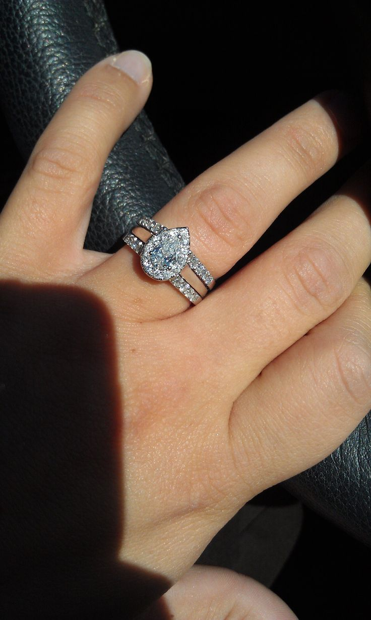 pear shaped diamond engagement rings can be found at helzberg diamonds