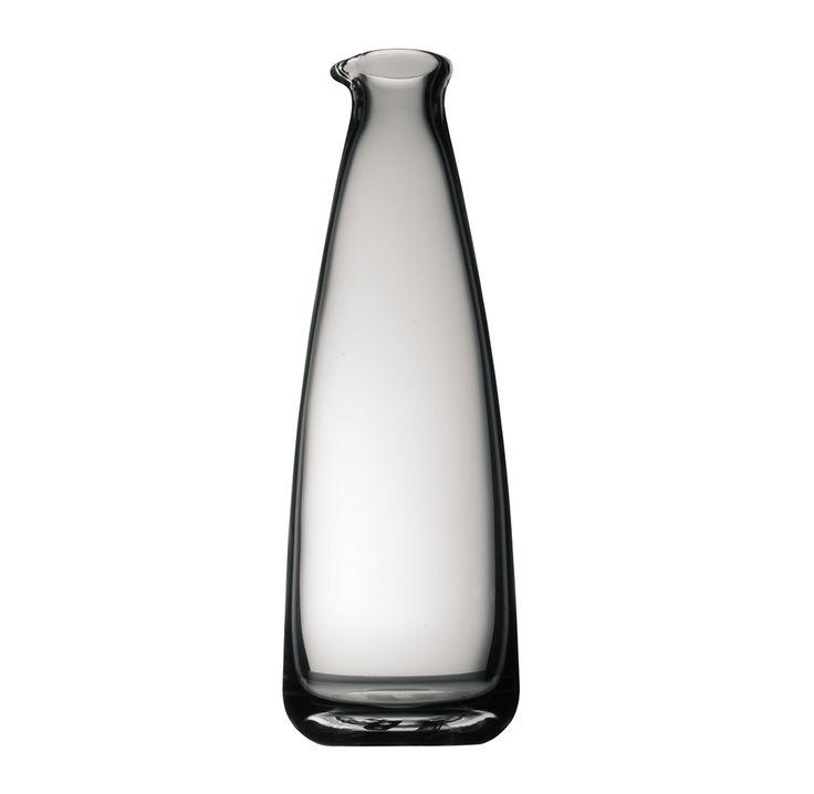 #TAC O2, una brillante botella de cristal de 1 lt de la colección Studio-Line de #Rosenthal. Perfección y delicadez que hace elegante la mesa.
